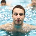 کاپیتان تیم ملی شنا ایران در نخستین روز مسابقات شنا در بازی های آسیایی موفق شد رکورد ملی ماده ١٠٠ متر کرال پشت را بشکند.