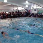 جشنواره شنای پسران زیر 10 سال استان گیلان که به مناسبت هفته تربیت بدنی صبح روز جمعه (16 آبان) در استخر مهر لاهیجان برگزار شد با برتری تیم رشت به پایان رسید .