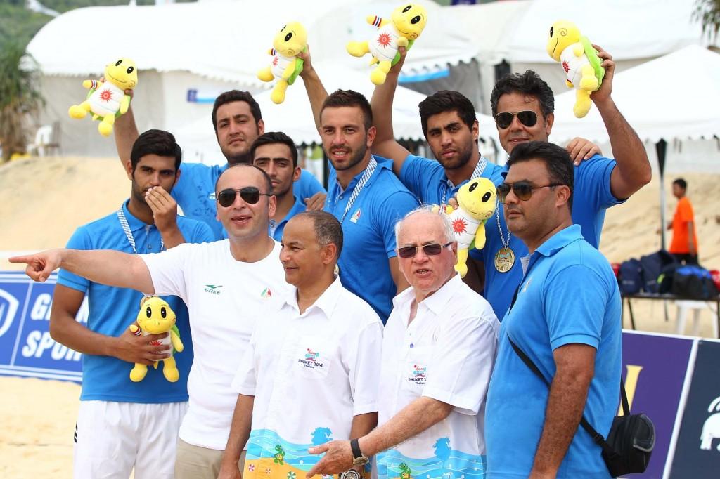 در پایان رقابت های واترپلوی بای های آسیایی ساحلی عطابرخوردی، حامد ملک خانبانان و نیما خوشبخت به عنوان بهترین های این مسابقات معرفی شدند.