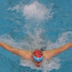نخستین روز از چهارمین مرحله مسابقات شنای قهرمانی باشگاه های کشور با برگزاری پنج ماده در نوبت عصر امروز (پنجشنبه) و تداوم صدرنشینی سرزمین موج های آبی مشهد به پایان رسید.