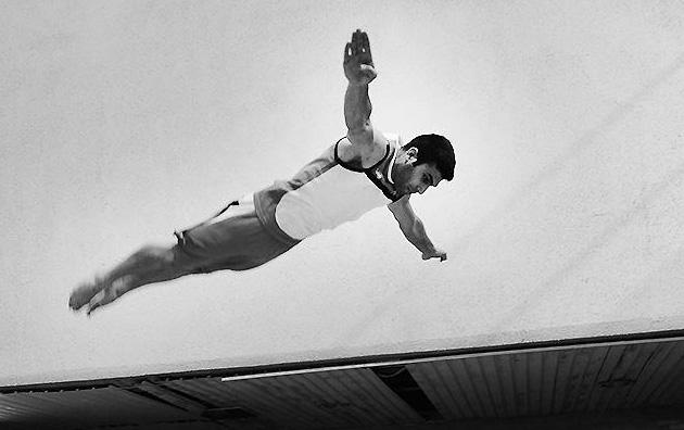 شیرجه روی ایران در سکوی 10 متر قهرمانی آسیا مدال طلا گرفت.