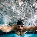 محققان و پزشکان بر اهميت ورزش شنا تاکيد فراواني مي کنند. در اين مطلب به بيان برخي از فوايد اين ورزش مي پردازيم.