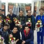 تیم ملی شیرجه ایران پس از کسب دو مدال طلا و یک نقره از جام بین المللی شیرجه سِنِت (آیندهوون) بامداد امروز (سه شنبه) از طریق فرودگاه امام خمینی (ره) به کشور بازگشت.
