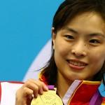 مینیکسا وو  شیرجه رو 30 ساله چینی، با مدال طلای دیشب مجموع طلاهای خود را به عدد پنج رساند و در تاریخ این رشته بیهمتا شد.
