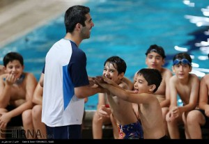 گزارش تصویری آموزش شنا به نونهالان_استخر 9 دی
