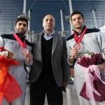 تیمهای ملی شنا، شیرجه و واترپلو ایران صبح امروز(دوشنبه) پس از درخشش در رقابتهای قهرمانی شنا آسیا به تهران بازگشتند.