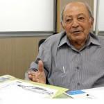 پدر 92 ساله شیرجه ایران و اولین مدال آور این رشته در کشور همچنان در تب و تاب گذران زندگی پشت میز کارمندی فدراسیون شنا است.