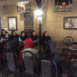 شهرام کمال زاده رئیس هیت شنا استان فارس در حافظیه شیراز با اعضای تیمملی شنا بانوان که برای حضور در مسابقات کشورهای اسلامی (تهران ۲۰۱۷) در اردو آماده سازی بسر میبرد دیدار و گفت و گو کرد.