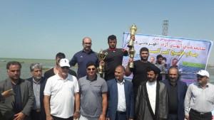 تیم اصفهان قهرمان مسابقات شنای آبهای آزاد قهرمانی کشور شد