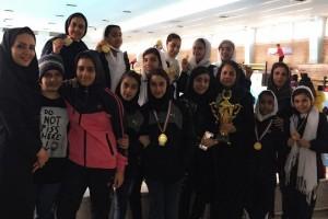 قهرمانی استخر انقلاب در لیگ شنای بانوان استان اصفهان