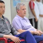 سرمربی تیم ملی واترپلوی چین گفت: در حال حاضر بدون توجه به حریفان باید روی خودمان تمرکز کنیم تا پیشرفت کنیم .