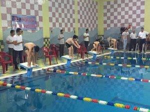 آغاز مسابقات شنا هفتگی استان فارس در شیراز