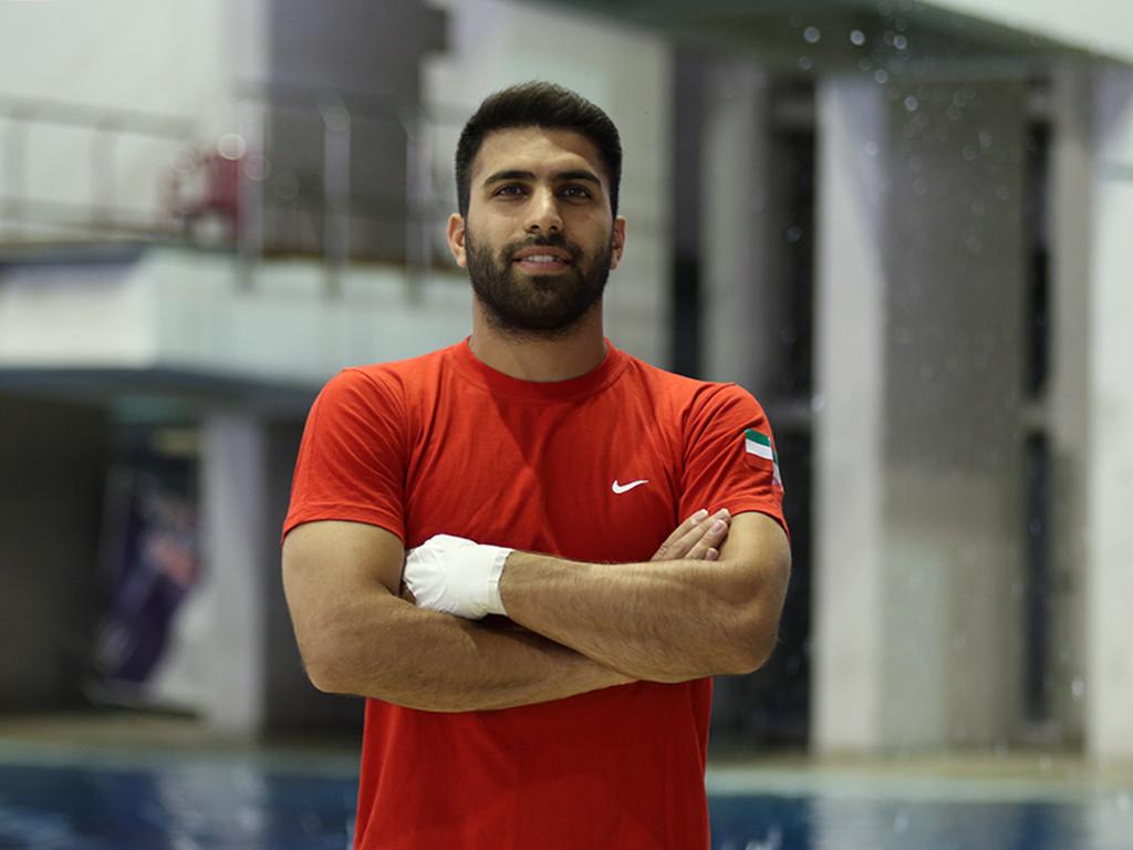 شیرجه رو تیم ملی گفت: امیدوارم بعد از دو هفته تعطیلی که همه به سر کار برمیگردند استخرها هم بازگشایی شود تا ورزشکارانی که تمرین میکنند بتوانند از آب استفاده کنند.