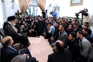 پیروزی ورزشکاران در واقع پیروزی ملت و شکست جبهه وسیع دشمنان ایران است