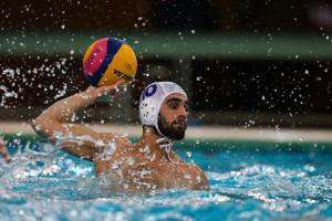 محمد جواد عباسی:واترپلو یک ورزش حرفهای است/ تداوم تعطیلی استخرها باعث نابودی رشتههای آبی میشود