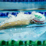 در پایان مسابقات شنای مسافت بلند رده سنی ۱۴-۱۱ سال ویژه پسران تیم موج آبی مشهد با مجموع 353 امتیاز در جایگاه نخست ایستاد و تیم های مرکزی (الف) و اصفهان (الف) به ترتیب با 348 و 307 امتیاز دوم و سوم شدند.