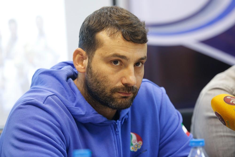 سرمربی تیم ملی واترپلوی ایران گفت: با وجود مشکلات اقتصادی، تمام تلاش خود را برای کسب سهمیه حضور در المپیک انجام می دهیم.
