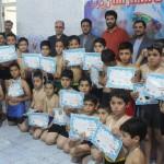 جشنواره شنا استخرهای شهرستان یزد با حضور بیش از 200 شناگر پسر و دختر در استخر 22 بهمن برگزار شد.
