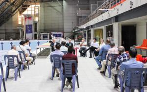 جلسه رئیس فدراسیون با کارکنان استخرهای آزادی و شیرودی